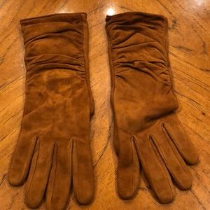 UGG cashmere lined suede ruched gloves.